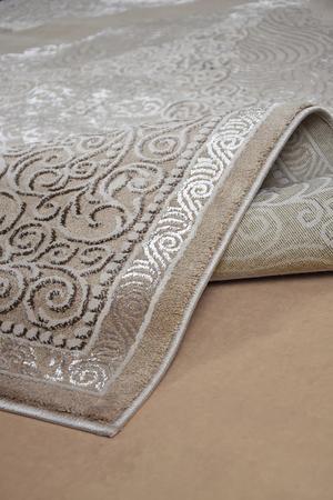 Nowoczesny dywan Elite 3935 Beige. Modny, tradycyjny wzór. Profesjonalne wykonanie oraz wysoka jakość, gwarantują długie użytkowanie produktu.