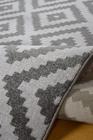 Nowoczesny dywan Artos 1639 GREY. Szaro białe wzory podkreślą charakter Twojego pomieszczenia. Profesjonalne wykonanie oraz wysoka jakość, gwarantują długie użytkowanie produktu.