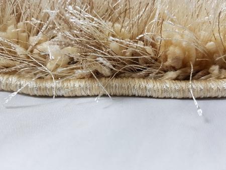 Nowoczesny dywan MILANO 01724A LIGHT BEIGE. Jednolity, puszysty dywan w odcieniach brązu i beżu podkreśli charakter Twojego pomieszczenia. Profesjonalne wykonanie oraz wysoka jakość, gwarantują długie użytkowanie produktu.