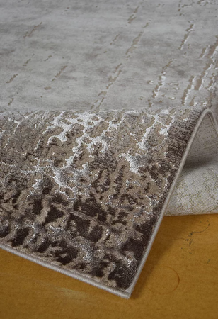 Nowoczesny dywan Elite 4356 BEIGE. Dywan w stylu Vintage. Profesjonalne wykonanie oraz wysoka jakość, gwarantują długie użytkowanie produktu.