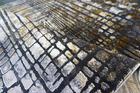 Nowoczesny dywan Zara 9653 YELLOW GREY. Grafitowo szare wzory podkreślą charakter Twojego pomieszczenia. Profesjonalne wykonanie oraz wysoka jakość, gwarantują długie użytkowanie produktu.
