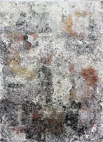 Puszysty dywan CREANTE 19169 GREY. Niesymetryczne kształty w odcieniach beżu, szarości, bordo i złota podkreślą charakter Twojego pomieszczenia. Dywan w stylu Vintage. Profesjonalne wykonanie oraz wysoka jakość wiskozy, gwarantują długie użytkowanie produ