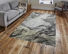 Puszysty dywan MARVEL 7601 GREY. Niesymetryczne kształty w odcieniach beżu, szarości i złota podkreślą charakter Twojego pomieszczenia. Dywan w nowoczesnym stylu. Profesjonalne wykonanie oraz wysoka jakość włóczki, gwarantują długie użytkowanie produktu.